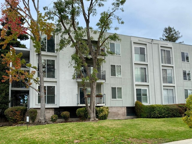 601 Leahy Street 107, Redwood City, CA 94061