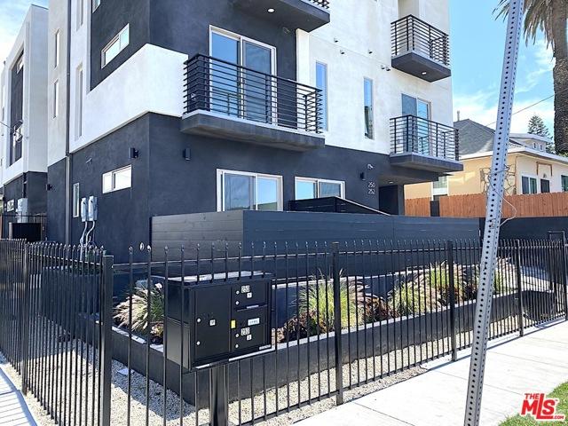 250 S BURLINGTON Avenue, Los Angeles, CA 90057