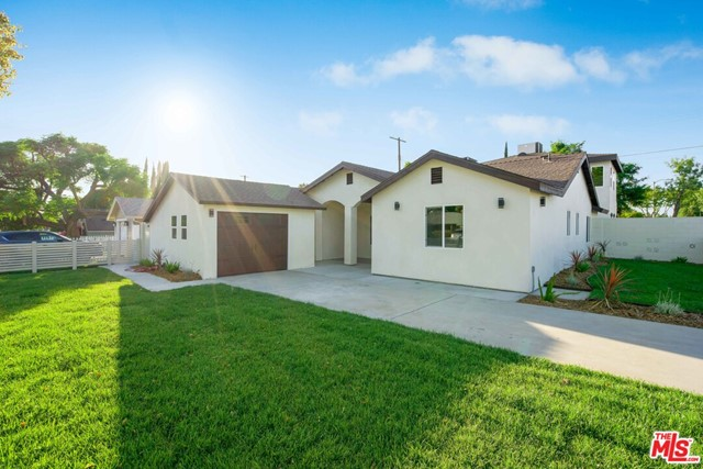 6. 17501 Arminta Street Northridge, CA 91325
