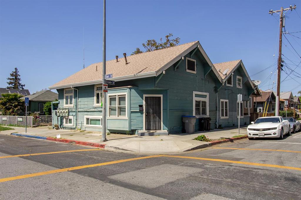 101  Oak Street