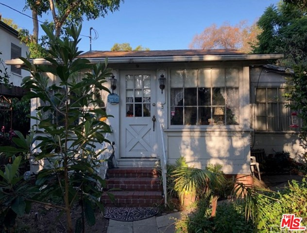 1717 COURTNEY Avenue, Los Angeles, CA 90046