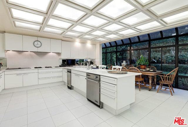 Kitchen and Breakfast Atrium