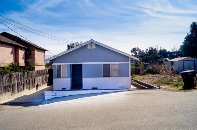 4 Santa Clara Avenue, Salinas, CA 93906