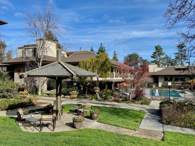 2140 Santa Cruz Avenue A106, Menlo Park, CA 94025