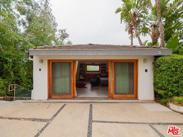 31. 1000 Stradella Road Los Angeles, CA 90077
