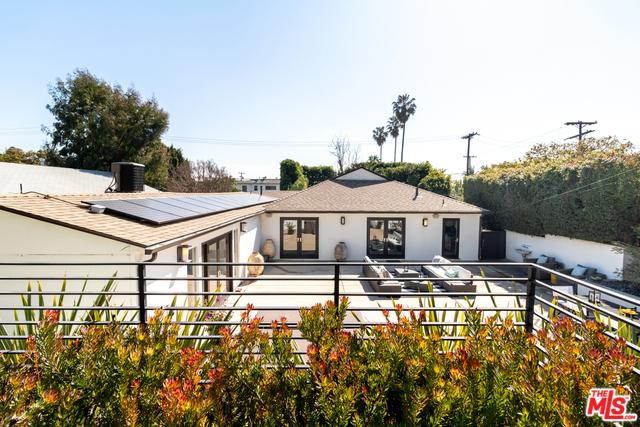 11969 VICTORIA Avenue, Los Angeles, CA 90066