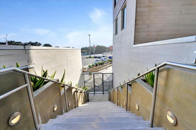 16. 3535 Wawona Street #422 San Francisco, CA 94116