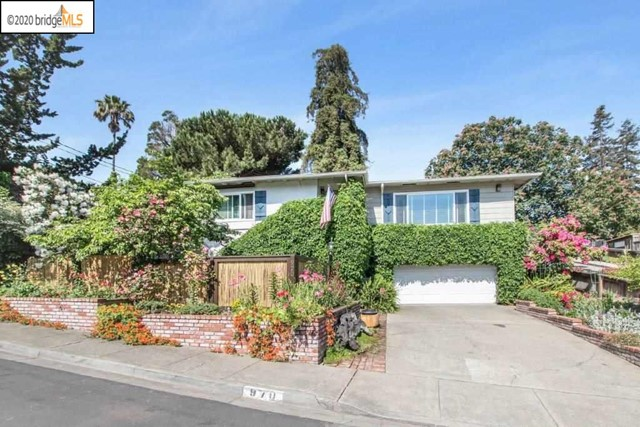 970 5Th Ave, Pinole, CA 94564