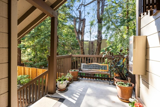26. 2040 Middlefield Road #24 Mountain View, CA 94043