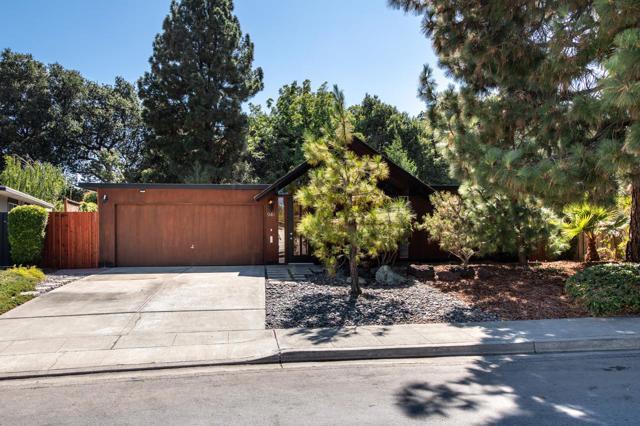949 Eichler Drive, Mountain View, CA 94040