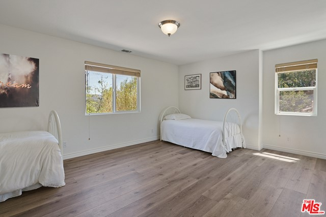 22. 3110 Foothill Drive Thousand Oaks, CA 91361