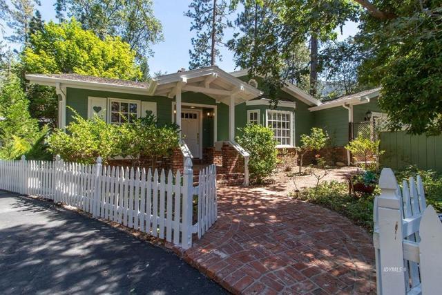 25900 Oakwood Street, Idyllwild, CA 92549