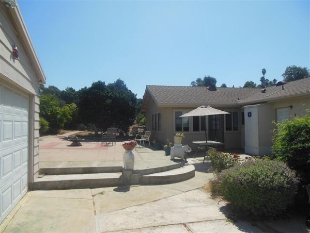 1085 Evergreen Lane, Vista, CA 92084