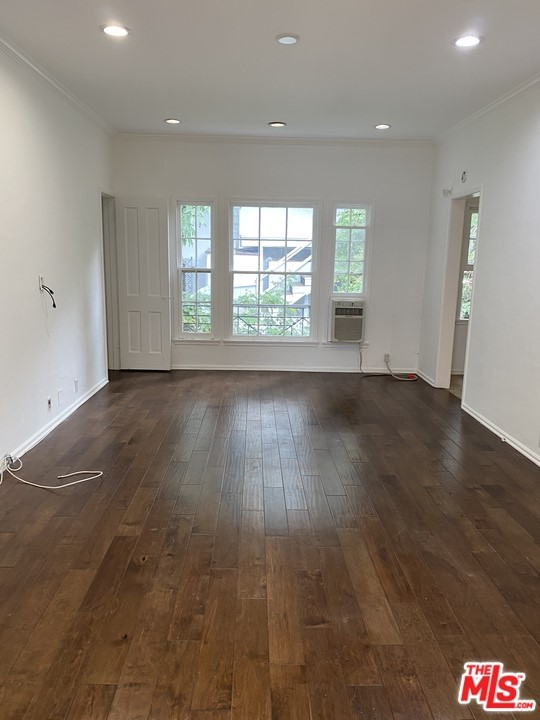 Photo of 965 N DOHENY Drive #1/8, West Hollywood, CA 90069