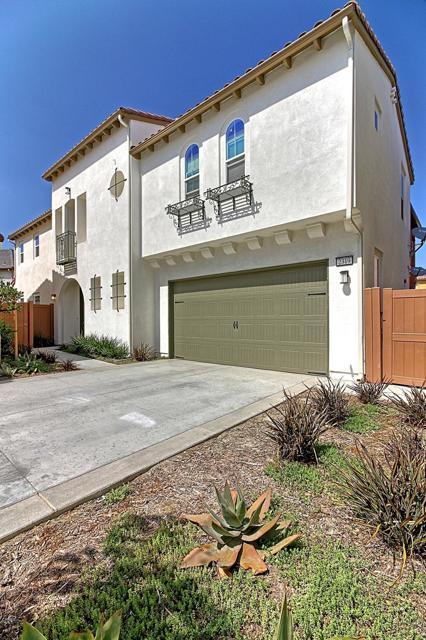 2319 Nicklaus Street, Oxnard, CA 93036