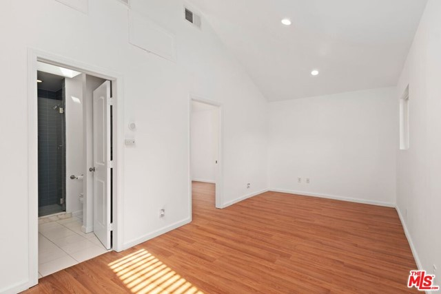 34. 745 N Poinsettia Place Los Angeles, CA 90046