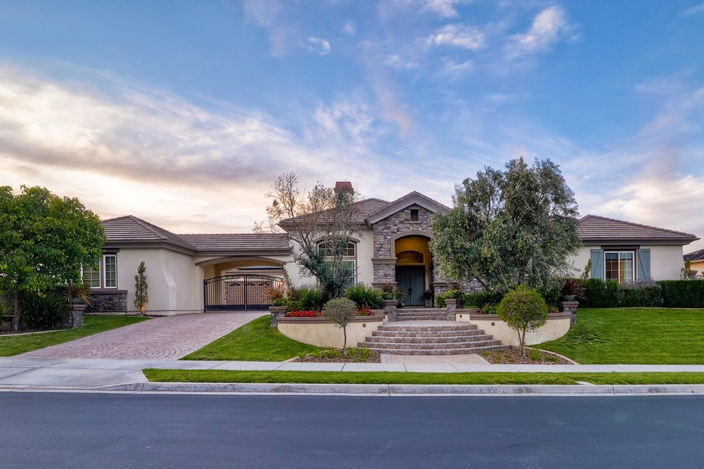 9931 Winecrest San Diego, CA 92127
