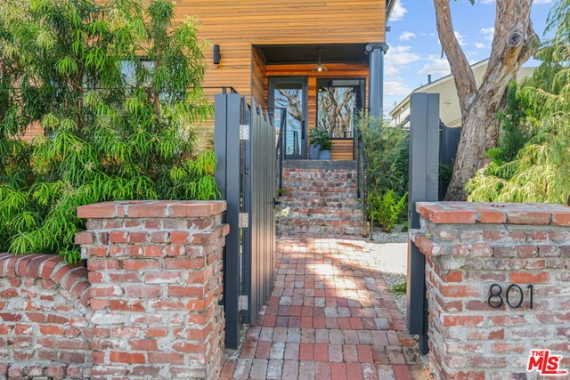 Image 5 of 801 Coeur D Alene Ave, Venice, CA 90291