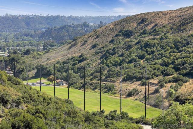 26. 10260 Viacha Drive San Diego, CA 92124