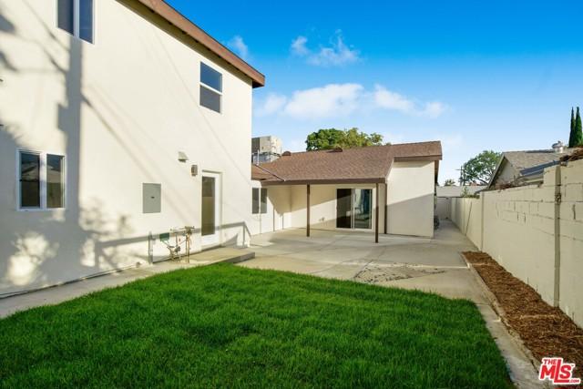 49. 17501 Arminta Street Northridge, CA 91325