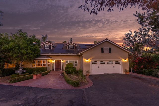 1826 Skyline Drive, Escondido, CA 92027