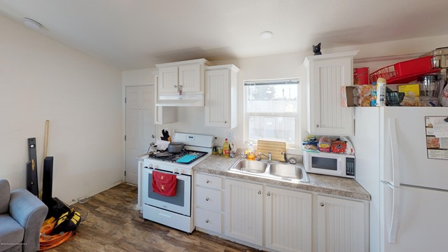 4849-Peck-Rd-Kitchen