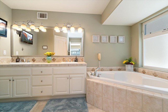Double Vanity master bath