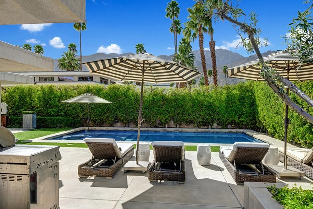 CHAISES TO POOL AND MOUNTAINS MLS