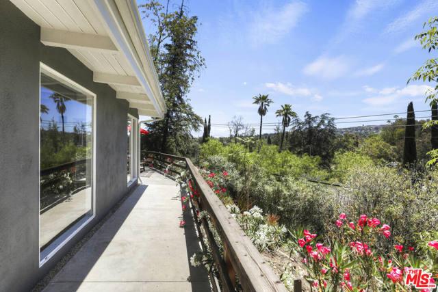 40. 4901 Escobedo Drive Woodland Hills, CA 91364