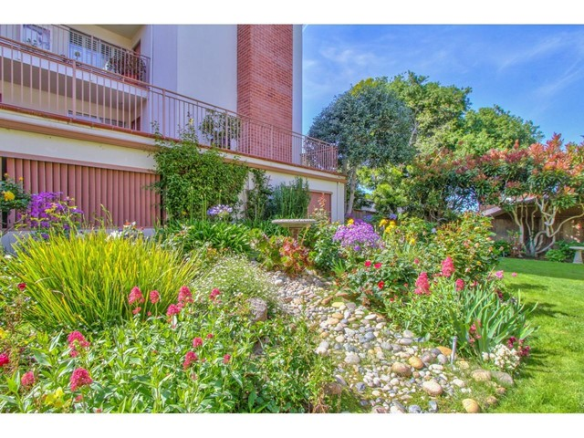 810 Lighthouse Avenue 102, Pacific Grove, CA 93950