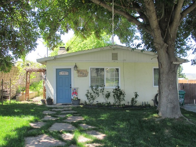 8556 HOLDEN RD., Santee, CA 92071
