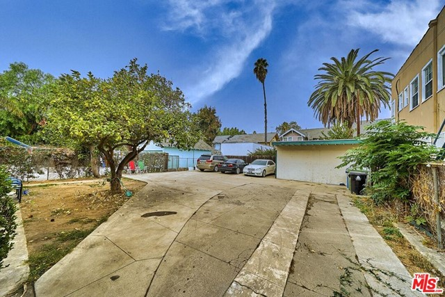 Image 4 of 2237 Cambridge St, Los Angeles, CA 90006