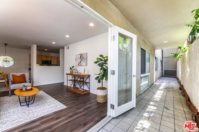 5. 330 S Barrington Avenue #110 Los Angeles, CA 90049
