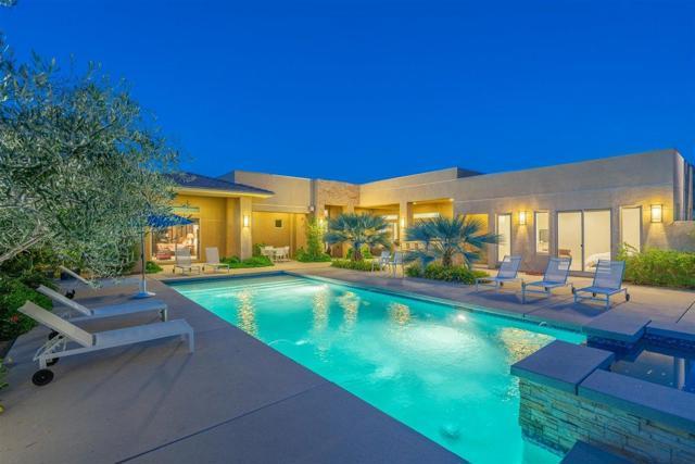 702 Bella Cara Way, Palm Springs, CA 92264