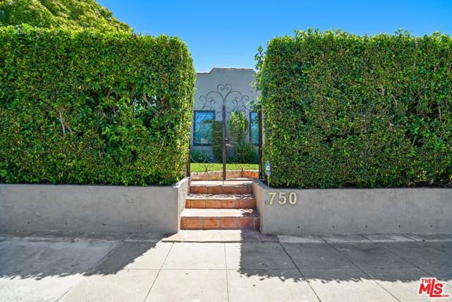 27. 750 N Curson Avenue Los Angeles, CA 90046