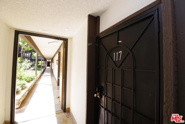 525 S ARDMORE Avenue 117, Los Angeles, CA 90020