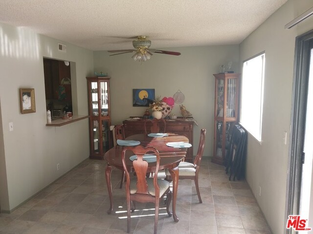 6515 Corte Montecito, Carlsbad, CA 92009 Photo 2