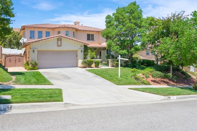 Photo of 1679 Tamarron Drive, Corona, CA 92883