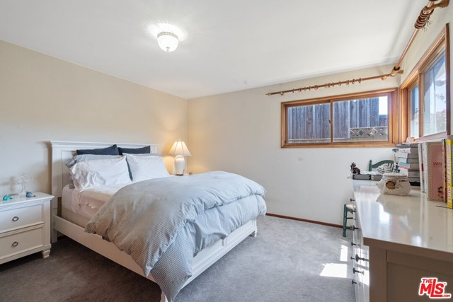 525 ROWELL Avenue- Manhattan Beach- California 90266, 3 Bedrooms Bedrooms, ,2 BathroomsBathrooms,For Sale,ROWELL,20582780