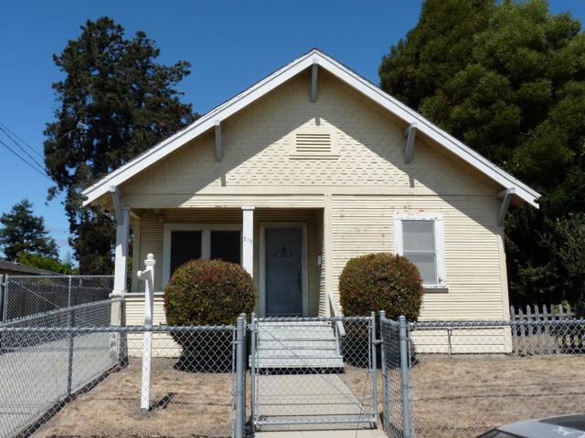 213 Hall Street, Santa Cruz, CA 95062