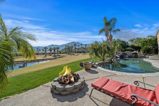 81045 Golf View Dr, La Quinta, CA 92253