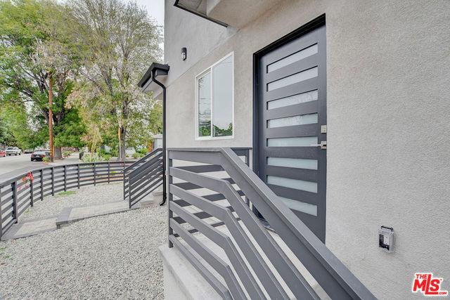 5506 Camellia Avenue, North Hollywood, CA 91601