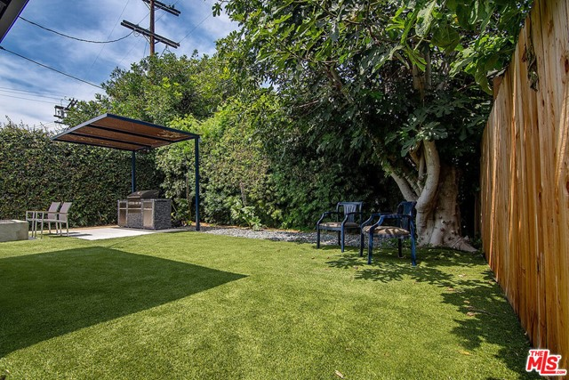 38. 4221 Greenbush Avenue Sherman Oaks, CA 91423