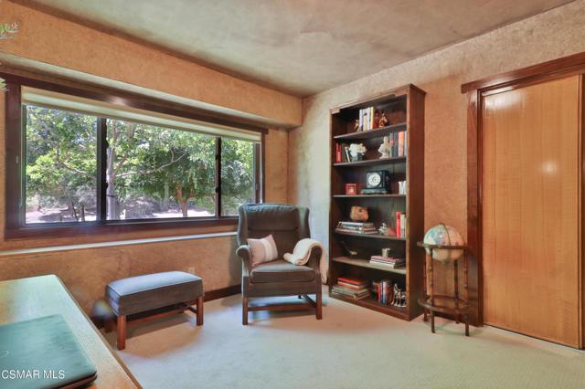 32. 202 Sundown Road Thousand Oaks, CA 91361