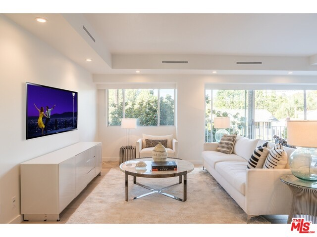 838 N DOHENY Drive 302, West Hollywood, CA 90069