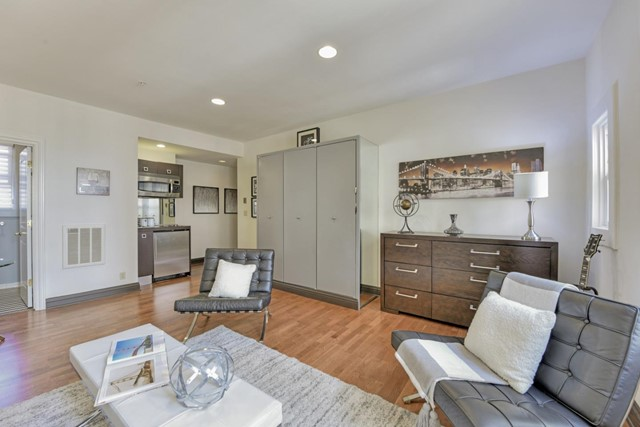 4. 725 Pine Street #306 San Francisco, CA 94108