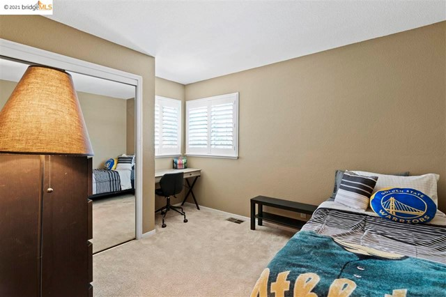 28. 619 Edenderry Dr Vacaville, CA 95688
