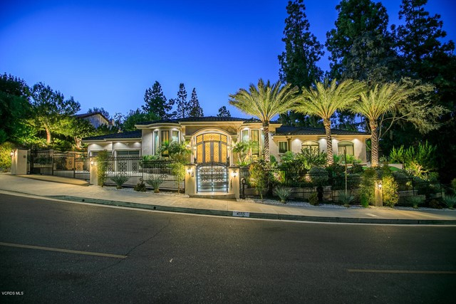 Photo of 4555 Winnetka Avenue, Woodland Hills, CA 91364
