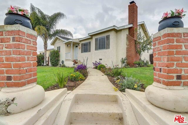 2103 W 109TH Street, Los Angeles, CA 90047