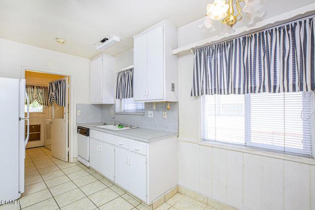 13. 5752 Bucknell Avenue Valley Village, CA 91607